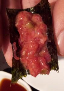 En Can Kenji el steak tartare oriental se come sin palillos